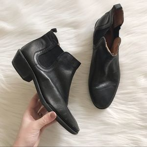 SOFFT Black Leather Ankle Bootie SZ 8